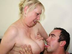Hot pussy granny gets pounded