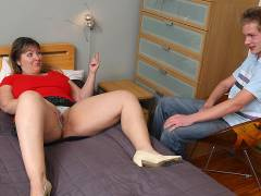 Fat hot chick fucked in a comfy bed